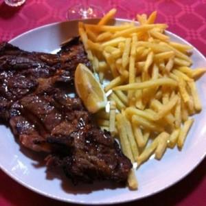 bistecca-di-manzo-e-patatine2